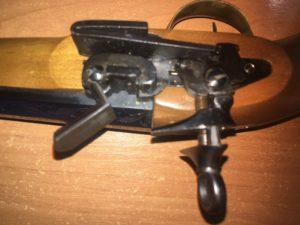 Старинный капсульный пистолет