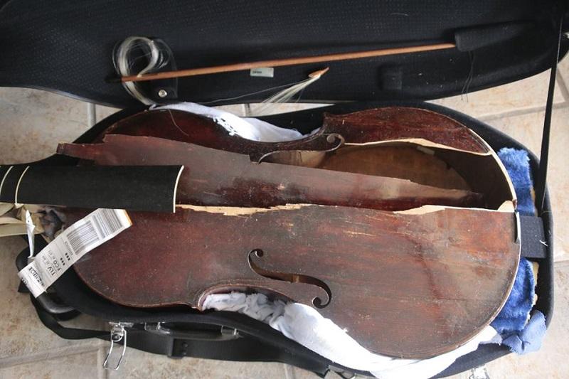 Израильская виолончелистка обвиняет авиакомпанию Alitalia в уничтожении виолы XVII века