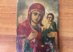 В аннексированный Россией Крым не дали вывезти копию Смоленской иконы Божией Матери