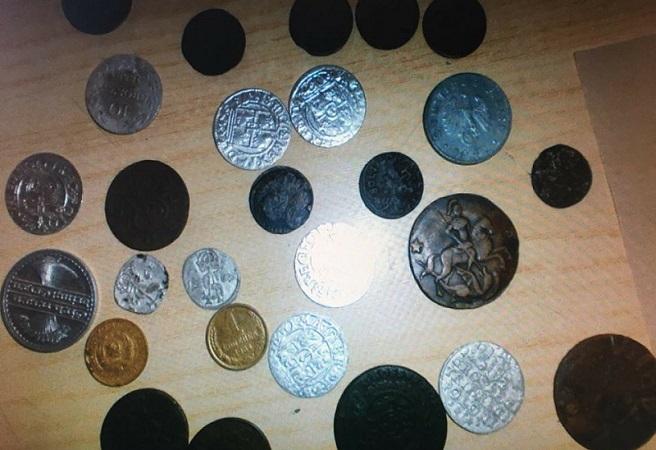 Из Беларуси не дали ввезти 84 старинные монеты