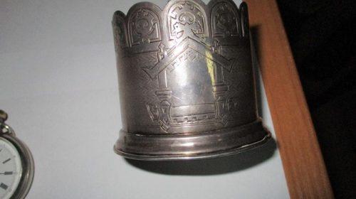 В Россию не дали вывезти 15 старинных предметов из серебра