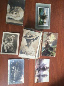 Пограничники отобрали у украинца старинные открытки и фотографии, которые он вез из России