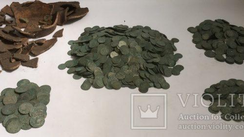 3405 монет: шестаки, трояки и полтораки