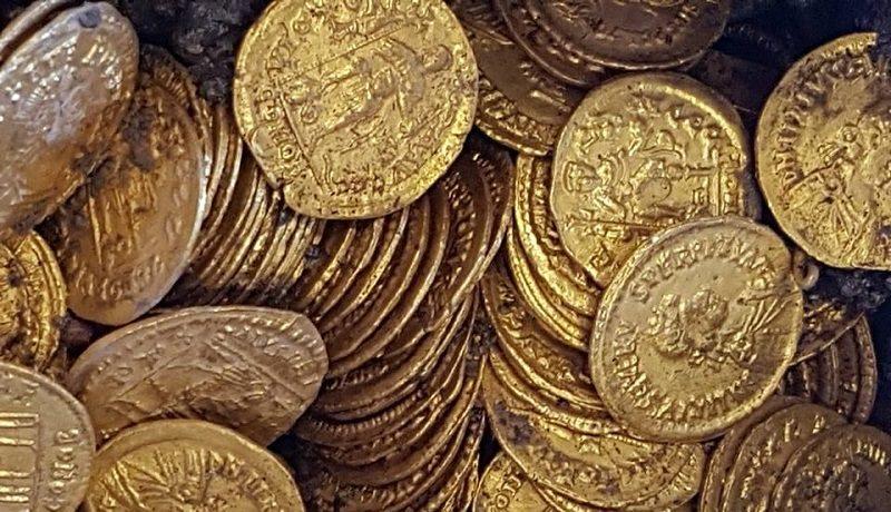 В итальянском Комо откопали клад древнеримских золотых монет