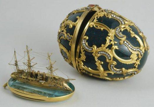 """1891 год - пасхальное яйцо с моделью крейсера """"Память Азова"""""""