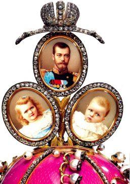 1898 год - пасхальное яйцо «Ландыши»