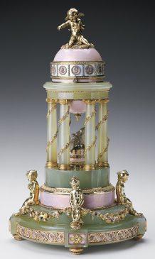 1910 год - пасхальное яйцо «Колоннада»