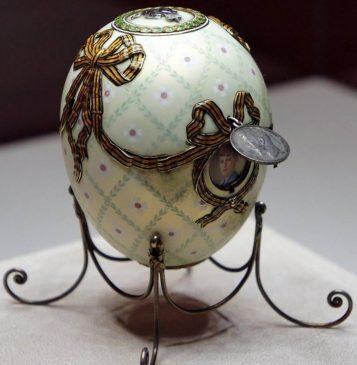 1916 год - императорское пасхальное яйцо «Орден Святого Георгия»