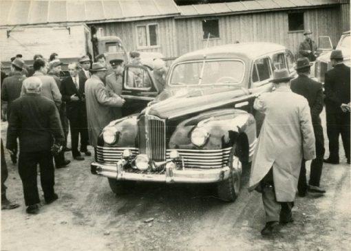 Никита Хрущев в автомобиле