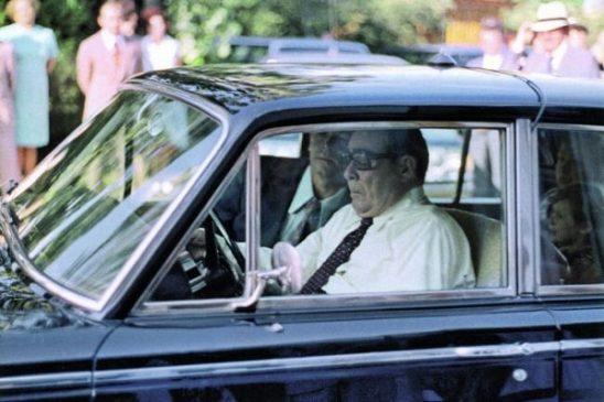Леонид Брежнев в Крыму за рулем Rolls-Royce Silver Shadow