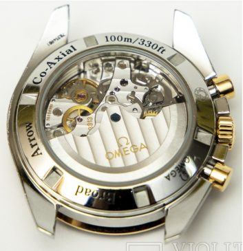 Часы Omega Speedmaster BROAD ARROW CO‑AXIAL CHRONOGRAPH 42 ММ