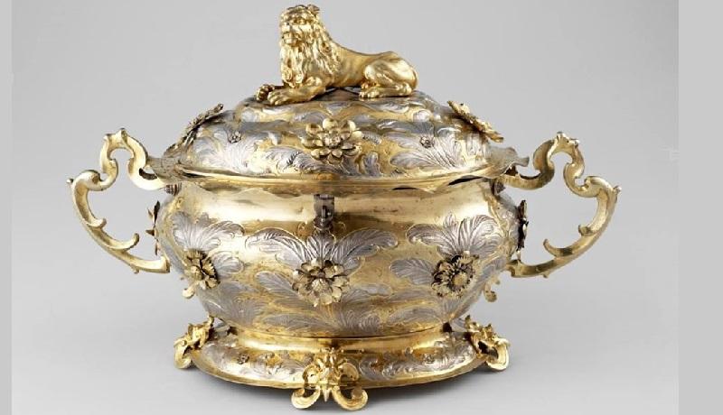 Серебряная крошня. Подарок шведского короля Карла ХII Петру I в 1699 году