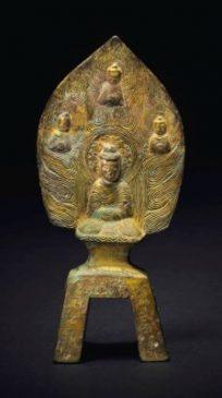 """Бронзовая скульптура Будды Шакьямуни (16,5 см), Империя Северная Вэй (386-534гг. н.э.), датирована """"16 годом Тайхэ"""" (534 г.)."""