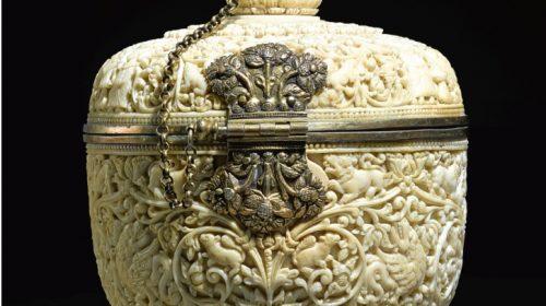 Резная коробка из цельной слоновой кости с позолотой, Шри-Ланка, вероятно, Канди, 16-17 век.