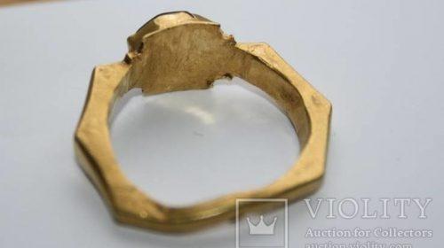 Римский золотой перстень, гемма