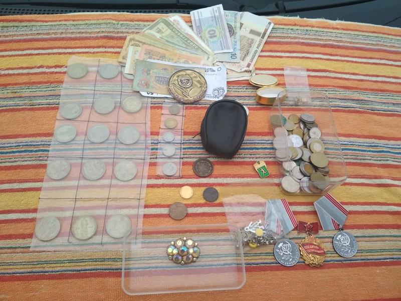 """Украинец пытался вывезти из """"ОРДО"""" старинные вещи"""