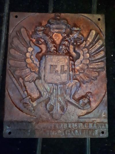 На Волыни пограничники отобрали старинный польский пограничный знак, весы и утюг
