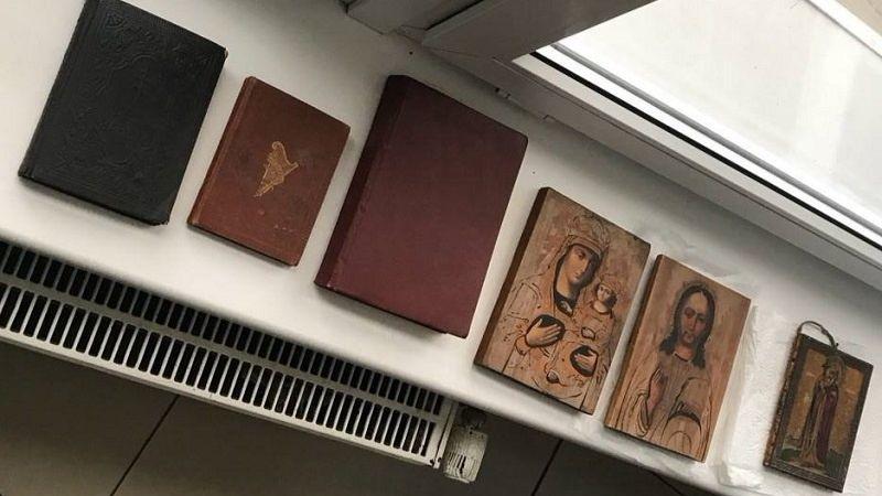 Немец пытался вывезти из Украины иконы и старинные книги