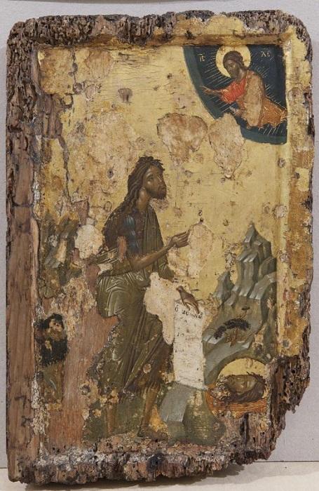 """Икона """"Иоанн Предтеча в молении"""". Византия, вторая половина XIV в., 31,5х23 см, дерево, левкас, темпера."""