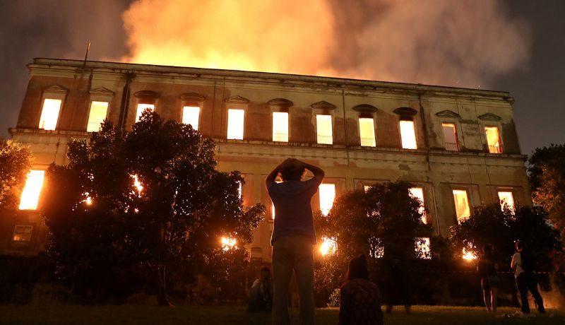 Пожар в Национальном музее Бразилии. Специалисты ведут подсчету убытков