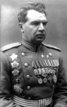 Василий Иванович Чуйков, советский военачальник, Маршал Советского Союза, дважды Герой Советского Союза