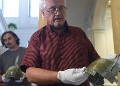 В Словакии грибник нашел два бронзовых шлема и отдал в музей
