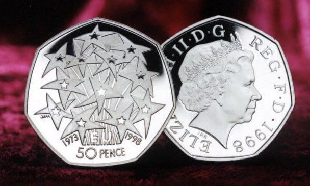 Источники в казначействе Великобритании сообщают, что работа над ее дизайном велась в течение нескольких месяцев, однако он все еще засекречен.