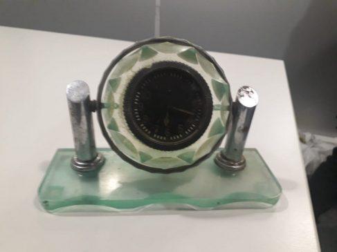 Часы с радиацией