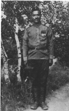 Французский негр Марсель Пля, воевавший на бомбардировщике «Илья Муромец», дважды кавалер Святого георгия