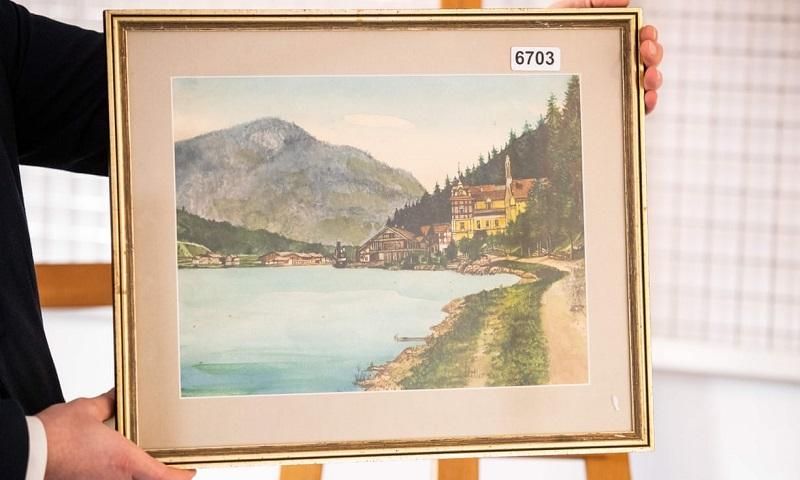 """Картина """"Ortschaft an Vorgebirgssee"""", авторство которой приписывается Адольфу Гитлеру"""