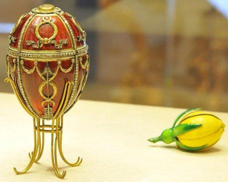1895 год - пасхальное яйцо «Бутон розы»