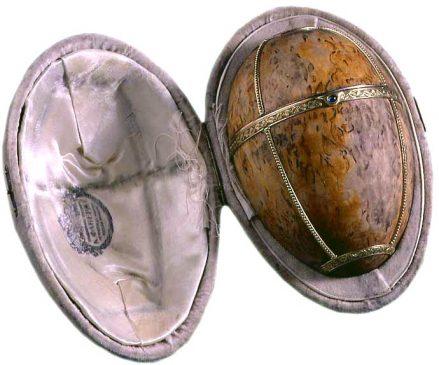 1917 год - пасхальное Яйцо из карельской березы