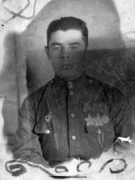 Кондратьев А.Ф. - командир взвода автоматчиков, кавалер Ордена Боевой Славы I №1 966